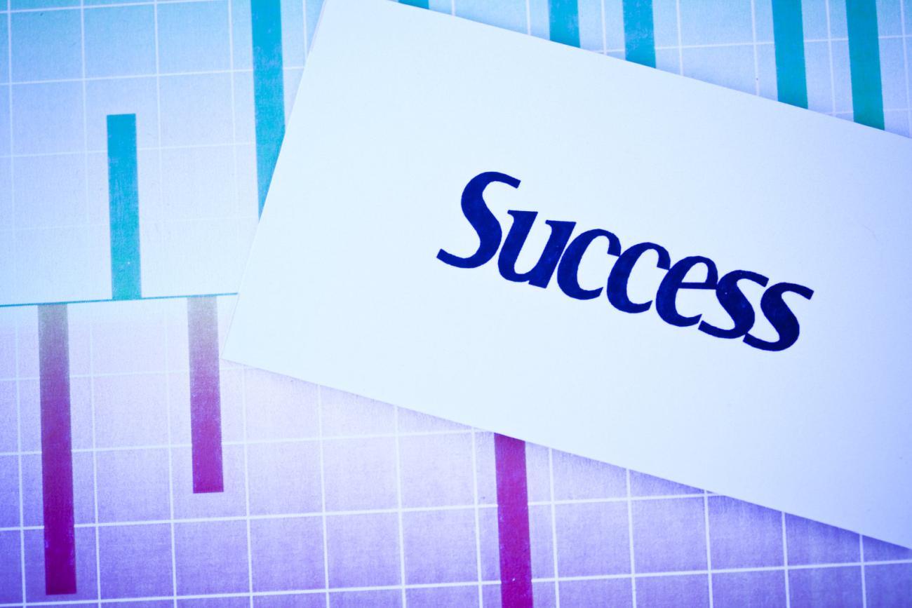 Księgowość w dużej firmie – biuro rachunkowe, czy księgowa na etat
